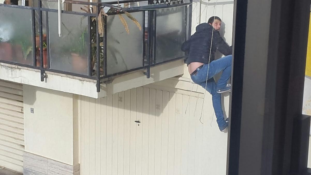 Liberato, torna a rubare nelle case. Arrestato Francesco Scalise , l'uomo ragno