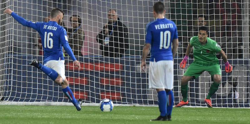 Il primo goal su rigore di De Rossi in Italia Albania