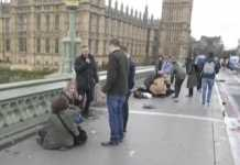 Westminster Bridge dopo l'attacco a Londra