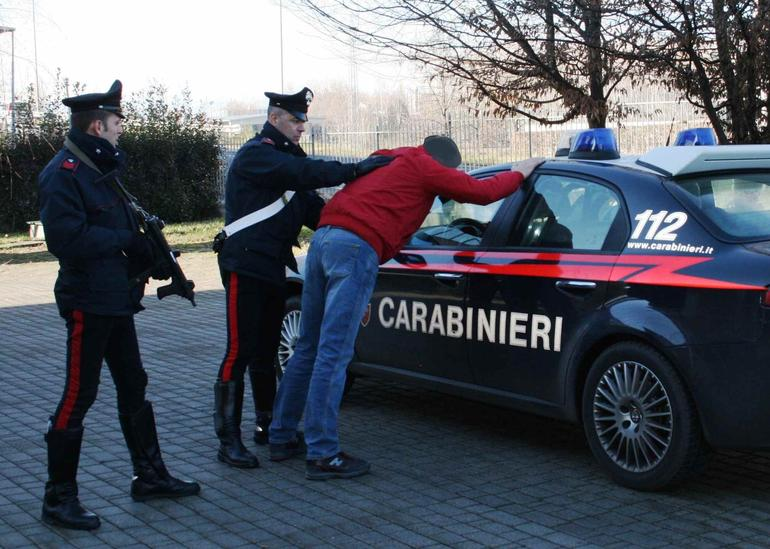Sorpresi a rubare 20 quintali di clementine, 9 arresti a Corigliano