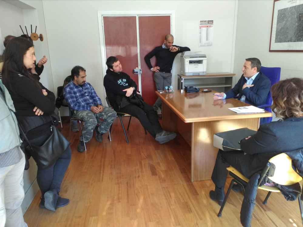 L'assessore Caruso durante l'incontro con il comitato Prendo Casa