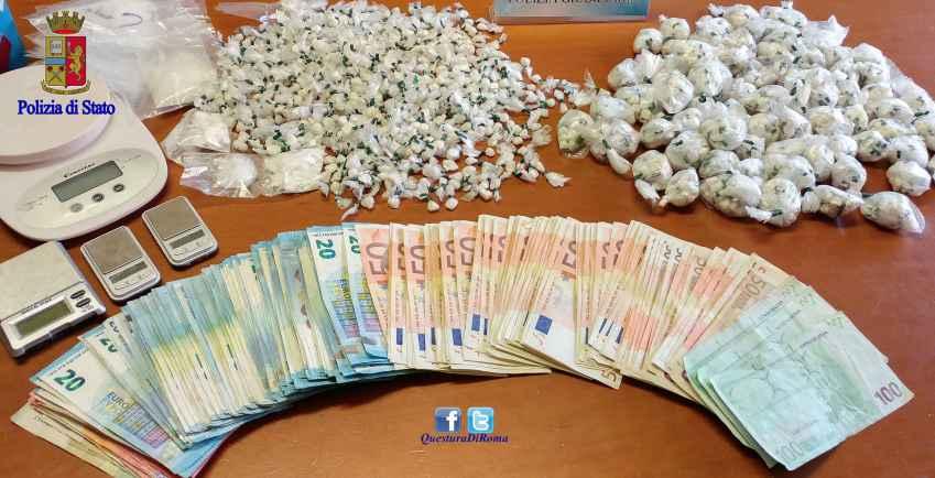 foto droga e soldi primavalle Roma