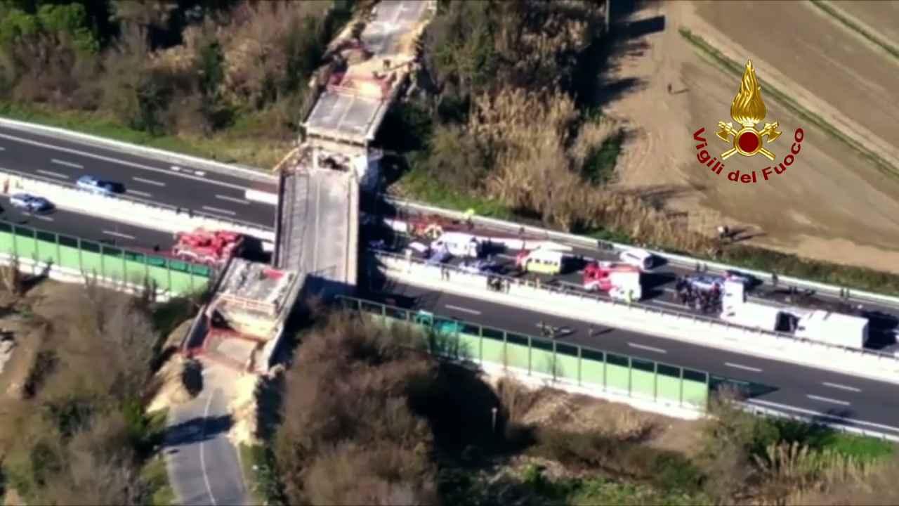 Crollo ponte A14, indagati anche dirigenti Autostrade