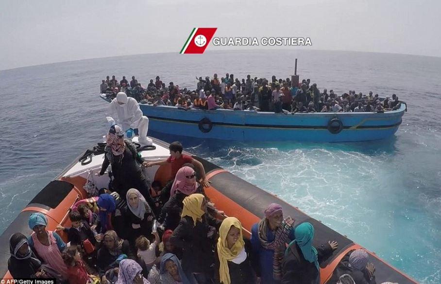 sbarco migranti guardia costiera