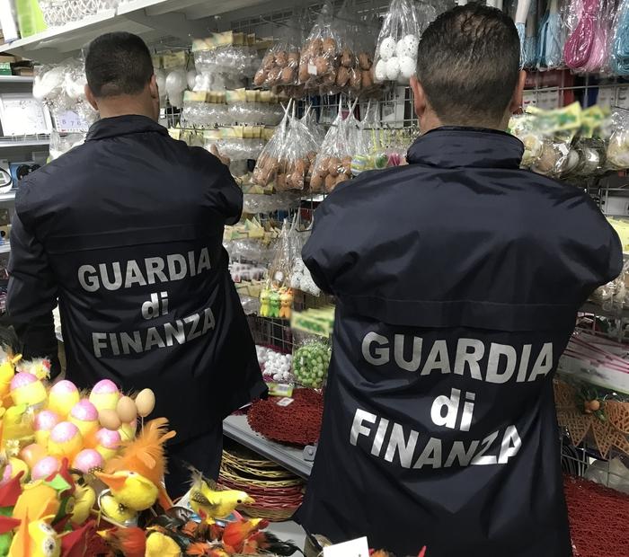 Sequestrate dalla Guardia di finanza oltre 4 milioni di uova pasquali decorative.