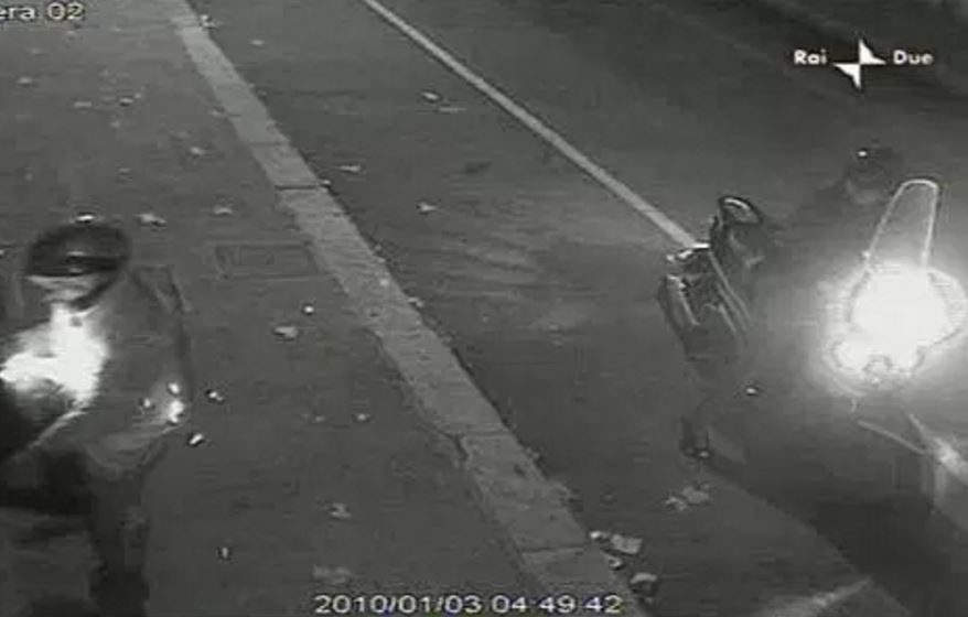 Un frame di un attentato a Reggio Calabria