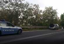 La Mercedes di Luigi Greco dopo essere stata bloccata dalla Polizia