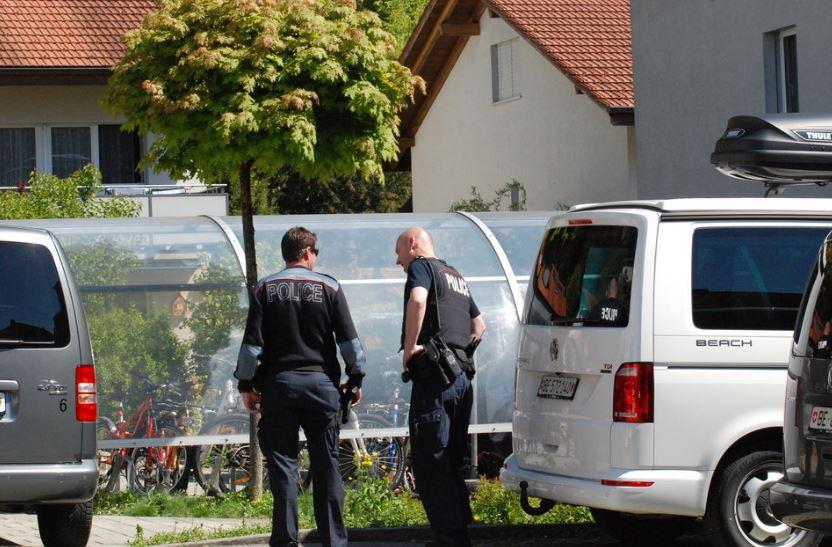 Il luogo dove sono stati rinvenuti i cadaveri in Svizzera