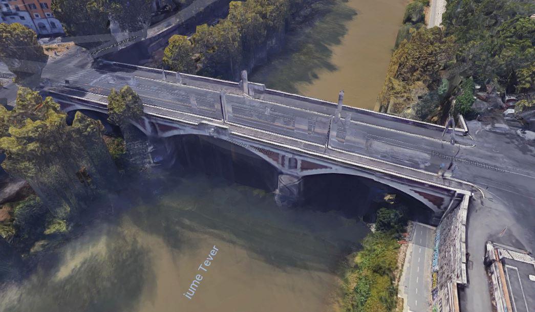 Il ponte Sublicio a Roma dove la ragazza è caduta nel Tevere