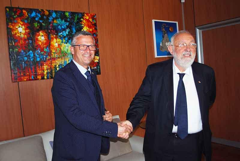 Da sinistra il questore di Cosenza Giancarlo Conticchio e il rettore dell'Unical Gino Crisci
