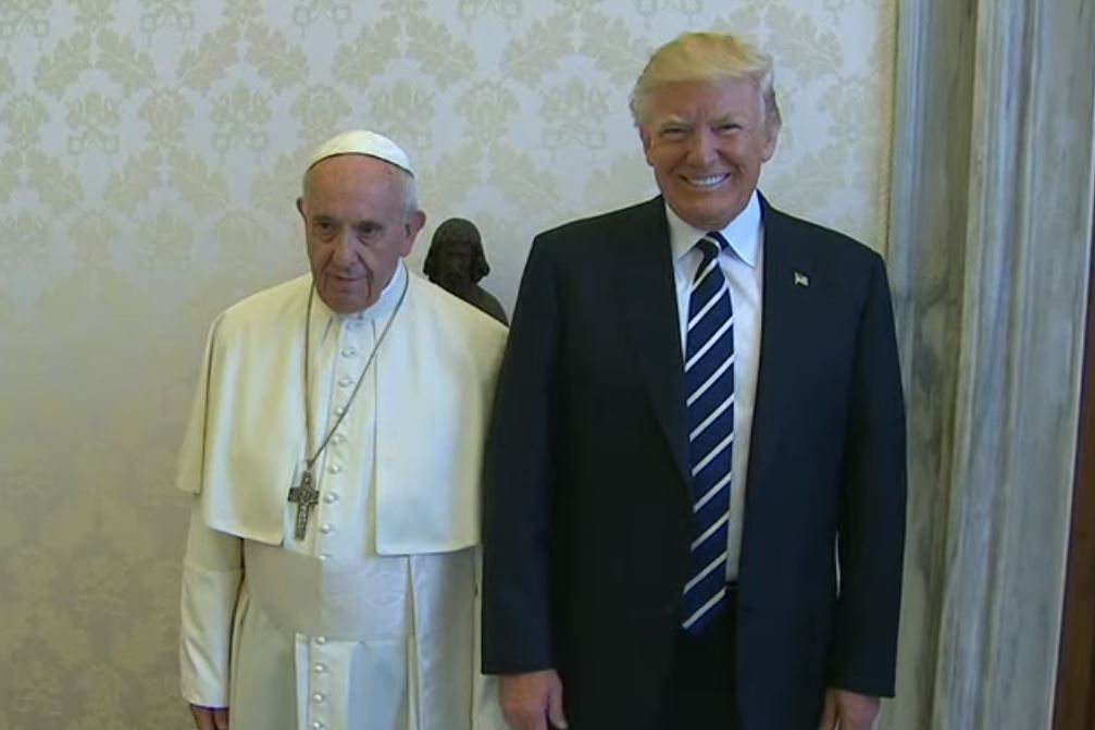 Donald Trump con Papa Francesco