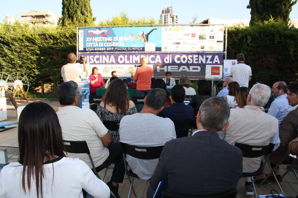 Presentato a Cosenza il XV Meeting di nuoto a Cosenza