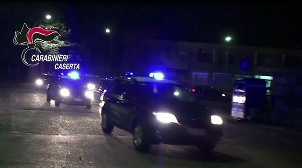 blitz carabinieri notte caserta