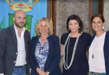Da sinistra il presidente del consiglio comunale Caputo, Stefania Craxi, Jole Santelli e Loredana Pastore