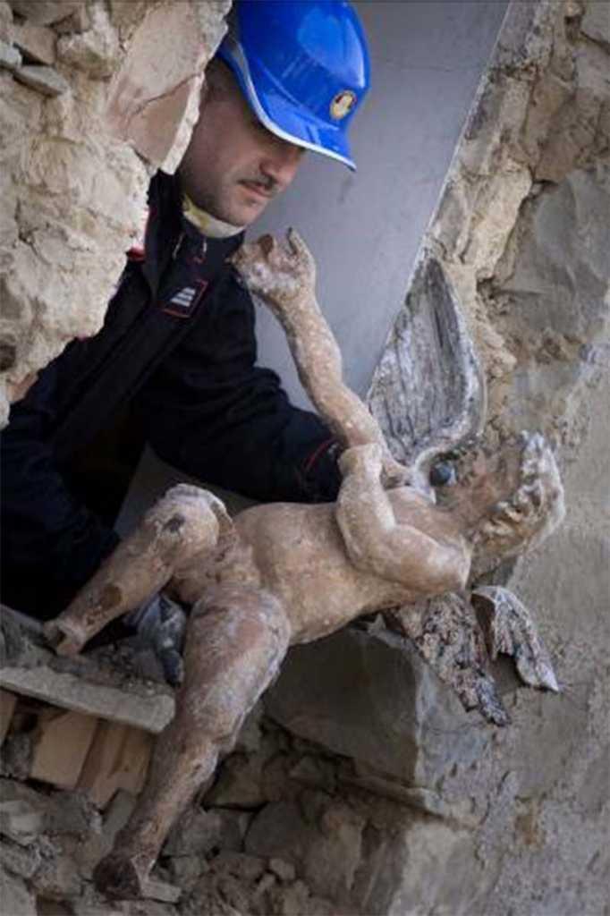 opere d'arte messe in salvo dal nucleo Tpc di Cosenza dopo i terremoti nel Centro Italia