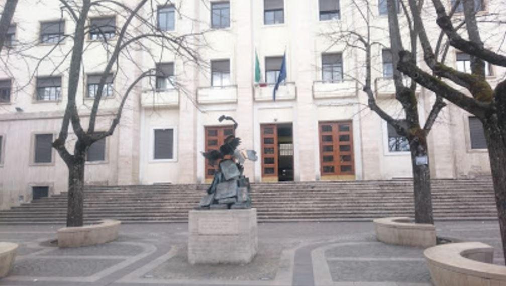 Emergenza abitativa a Cosenza, tavolo tra Prefettura e Comune