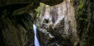 Canyon Alto Gualtieri Sicaminò cascata