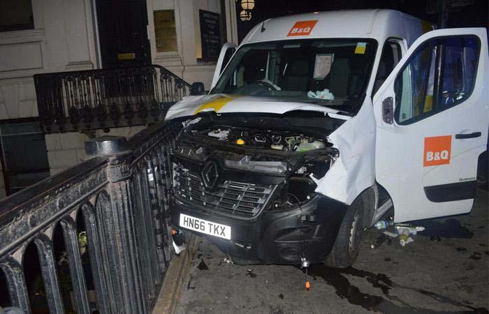 Gli attentatori di Londra volevano colpire con un camion
