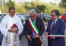 Marcello Manna mentre inaugura il tratto del viale parco a Rende