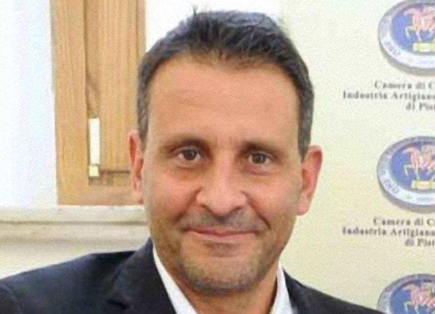 Peculato per 570mila euro: arrestato il sindaco di Pescia Oreste Giurlani