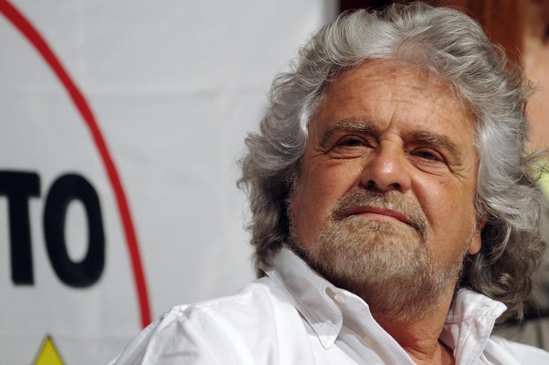 Crisi di governo, Grillo scende in campo: Mi elevo per salvare l'Italia