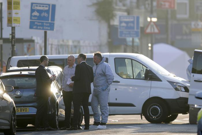furgone sui fedeli moschea londra