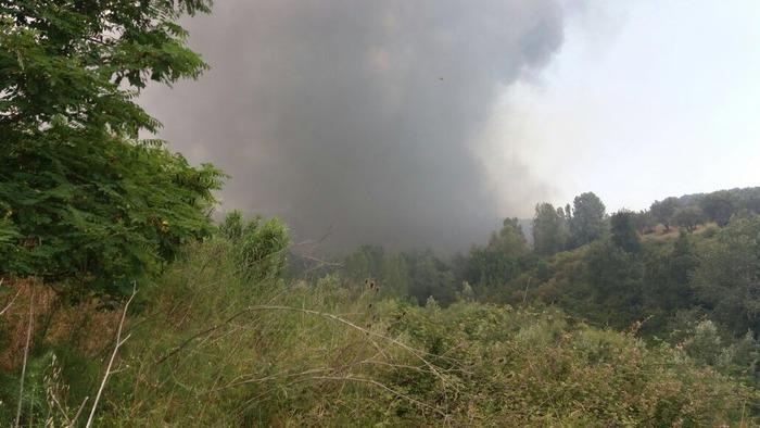 Incendio tra Castrolibero e Rende, interessata discarica rifiuti
