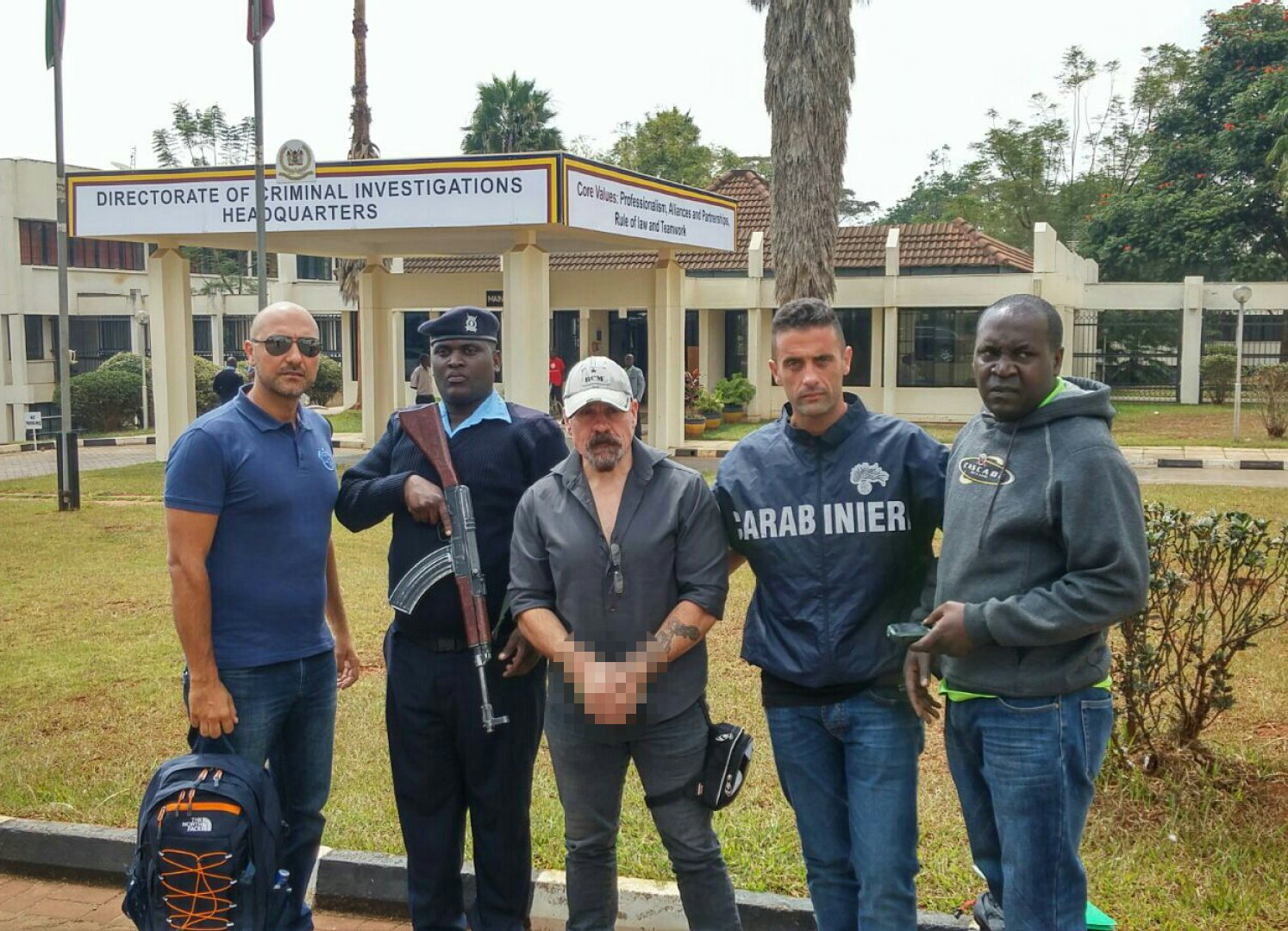 Carlo Gentile al suo arresto in Kenia
