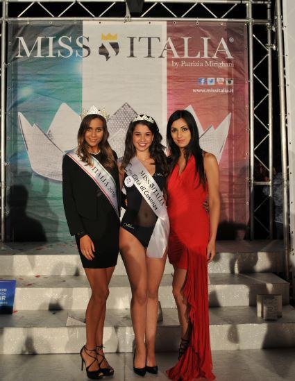 Da sinistra Miss Italia Rachele Risaliti, Miss Cosenza Ilaria Giancola e Linda Suriano