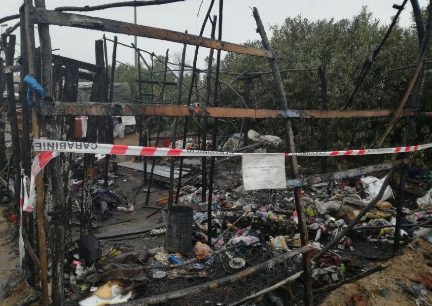 incendio baracche tendopoli
