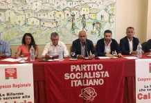 Il tavolo di presidenza durante il congresso del Psi Calabria