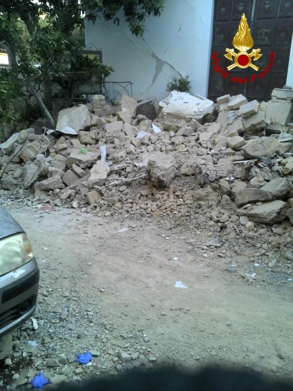 Crolli terremoto a Ischia