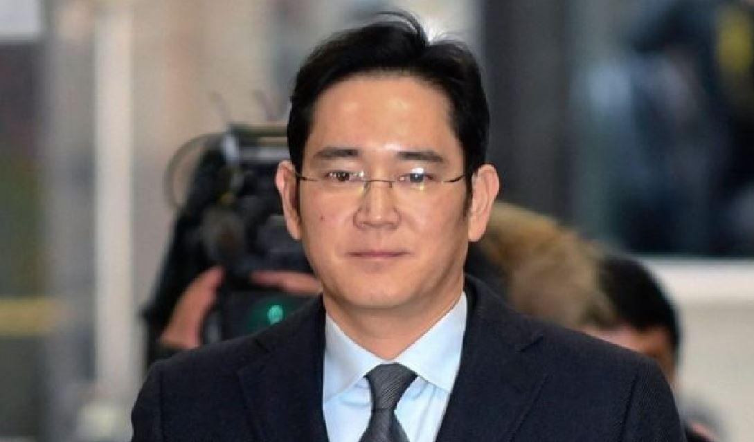 Samsung, condannato a 5 anni il vicepresidente Lee