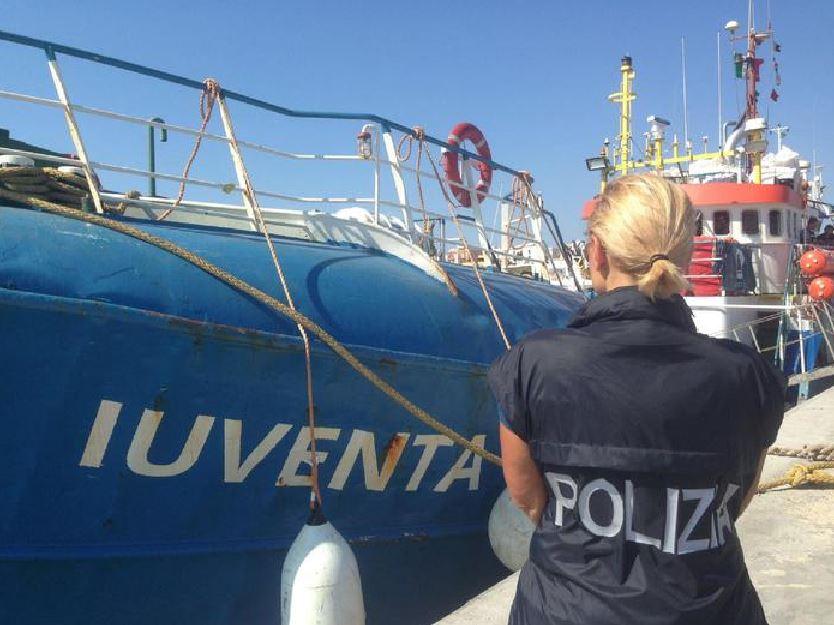 Ong migranti sequestrata Nave Iuventa