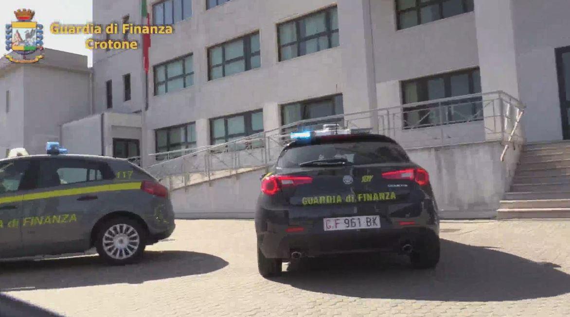 Guardia di finanza di Crotone scopre evasore totale