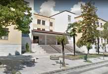 La scuola elementare di Via Misasi, a Cosenza