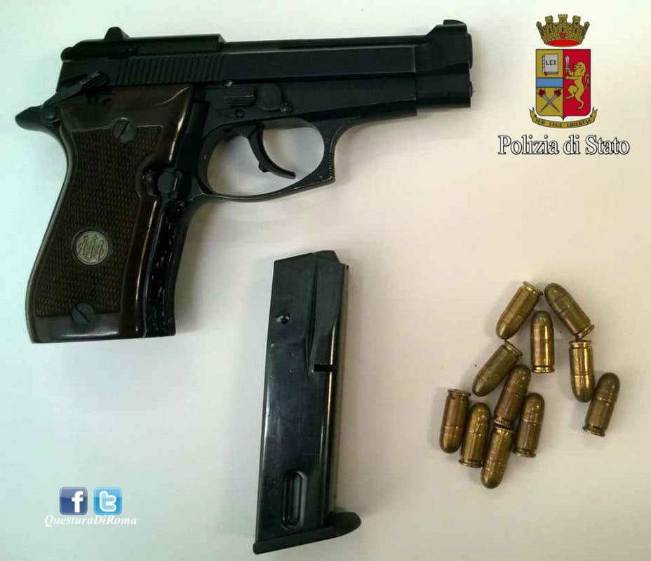 Pistola calibro 9