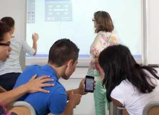 cellulari smartphone a scuola
