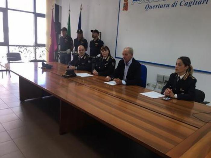 Cagliari truffa false rivista forze ordine