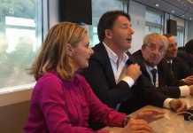 """Matteo Renzi in Calabria col treno """"Destinazione Italia"""""""