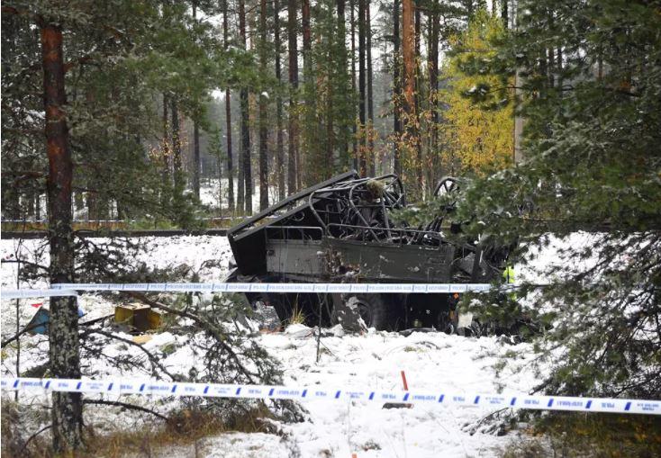 Scontro veicolo militare e treno in Finlandia