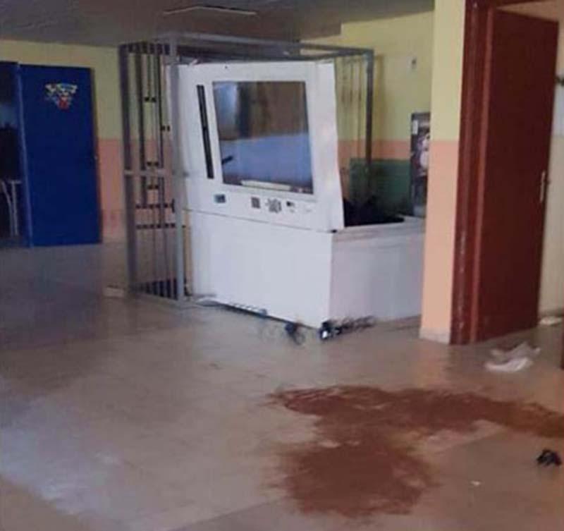 Atti vandalici scuola Isola Capo Rizzuto