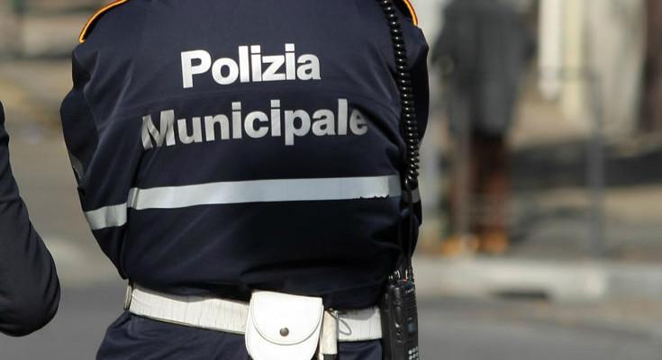 suicida ispettore polizia municipale vigili urbani