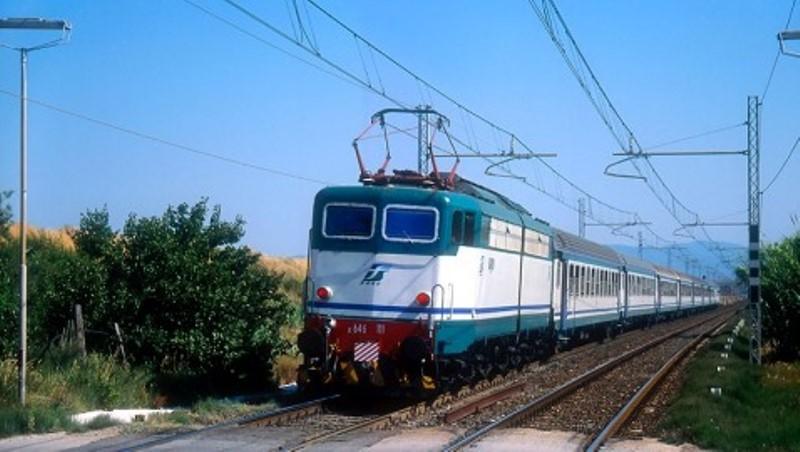 treni ferrovia