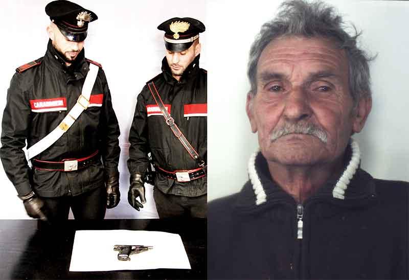 A destra l'arrestato Francesco Quattrone, a sinistra i militari con l'arma utilizzata