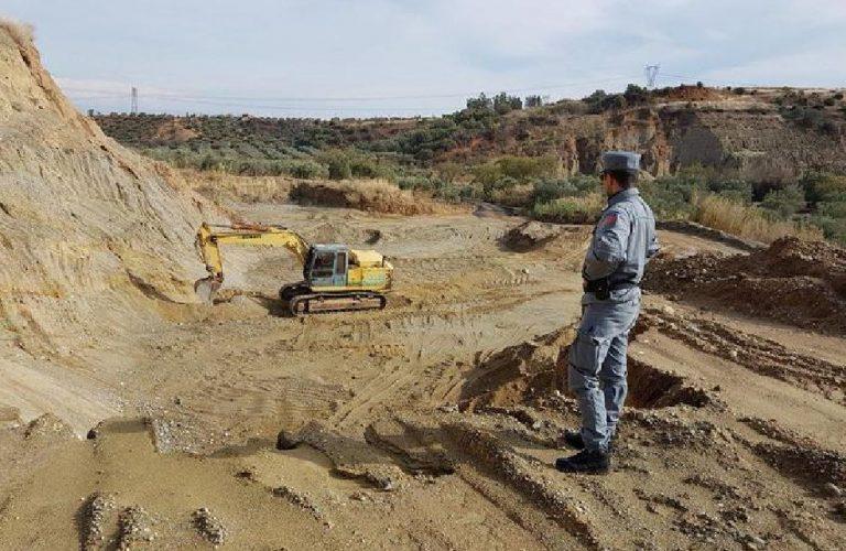 Sequestrata una cava a Spezzano Albanese. Tre denunce