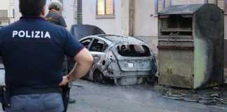 incendio auto cosenza