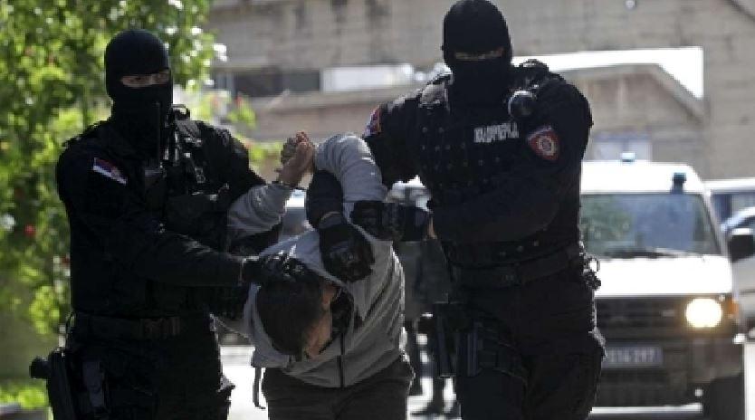 Rintracciato e arrestato in Albania Ciro Dentice latitante campano da 12 anni