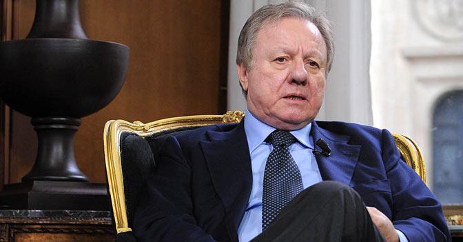 Frontale sull'Aurelia, muore l'ex ministro e senatore Altero Matteoli