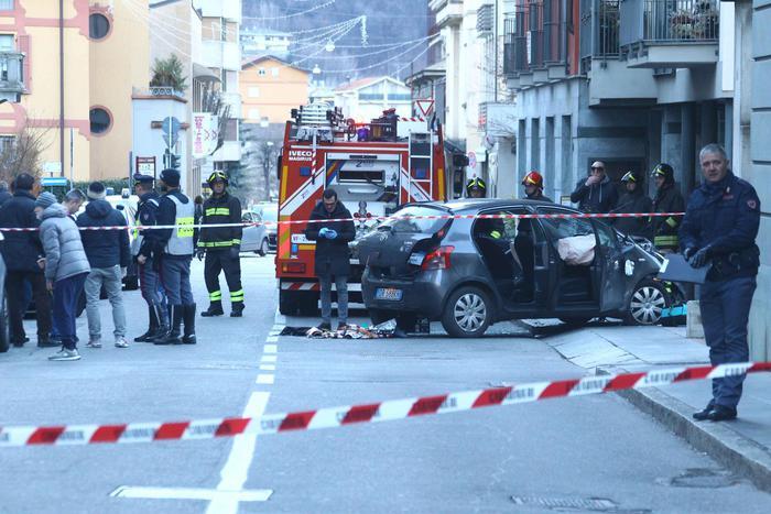 auto travolge passanti a Sondrio